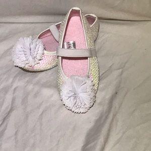 Other - NWOT- Infant Girls Slipper Shoes - Size: 7